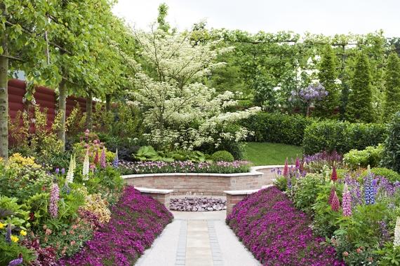 Spectacular garden.