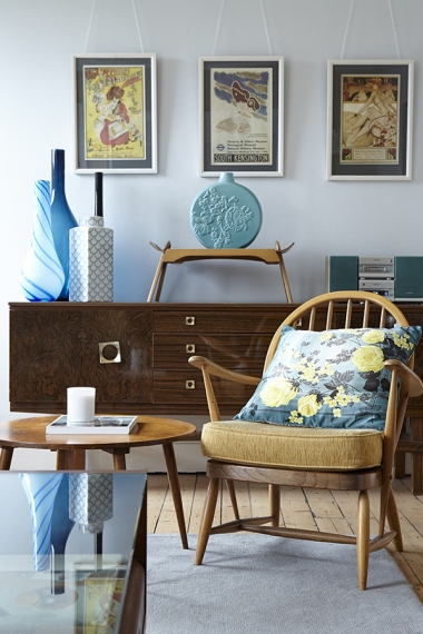 Jane's mix of different styles and hues certainly adds a sense of vibrancy to her home.