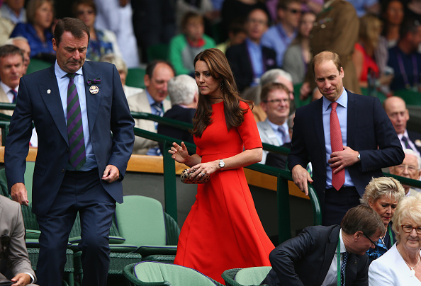 LONDON, ENGLAND - JULY 08: All England Lawn Tennis Club (AELTC) Chairman Philip Brook, Catherine, Duchess of Cambridge and Prince William, Duke of Cambridge attend day nine of the Wimbledon Lawn Tennis Championships at the All England Lawn Tennis and Croquet Club on July 8, 2015 in London, England. (Photo by Ian Walton/Getty Images)