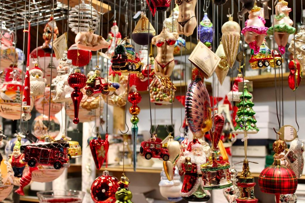 stuttgart-ornaments-2