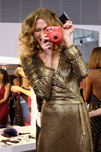 NEW YORK, NY - FEBRUARY 14: A model Karlie Kloss poses wearing Diane Von Furstenberg Fall 2016 during New York Fashion Week on February 14, 2016 in New York City. (Photo by Dimitrios Kambouris/Getty Images)