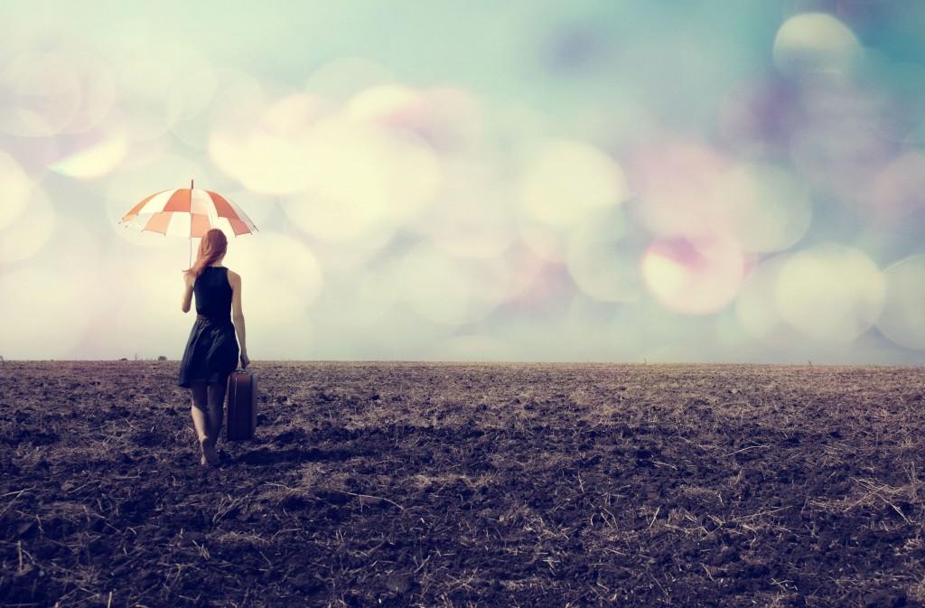 girl-alone-field-bokeh-travel-art-picture-wallpaper